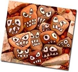 лица на камне